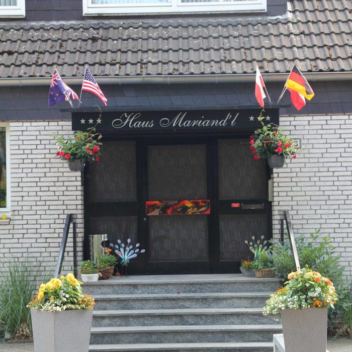 eingang messehotel düsseldorf haus mariandl